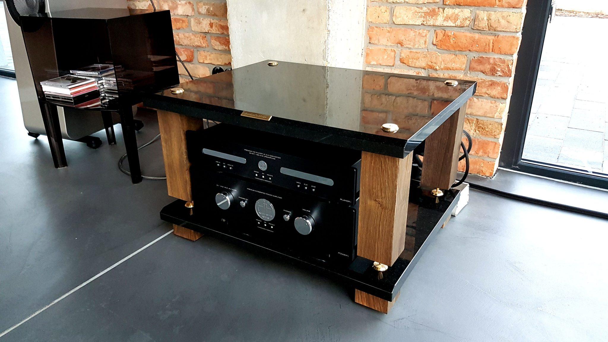 stolik audio kamień drewno ciemny